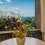 Standard Room, 1 Bedroom, Ocean View - In-Room Dining