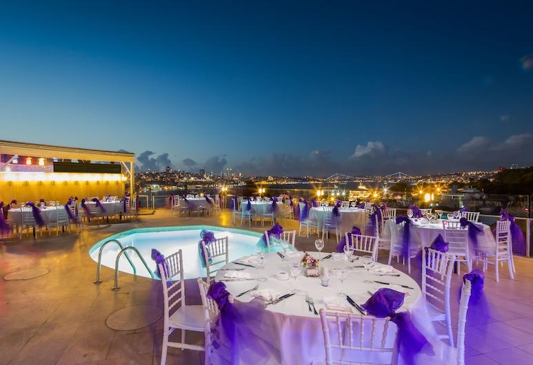 Orka Royal Hotel & Spa , Istanbul, Utendørsservering