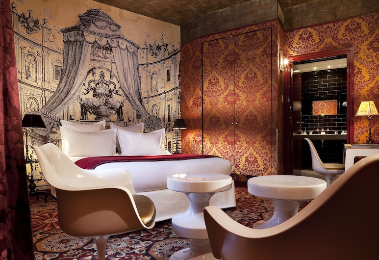 Hôtel du Petit Moulin – Small Luxury Hotels of the World, Paris, Deluxe Double Room, Guest Room