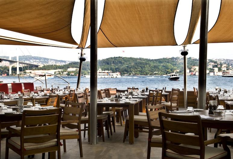 ラディソン ブル ボスポラス ホテル、イスタンブール, イスタンブール, 屋外レストラン