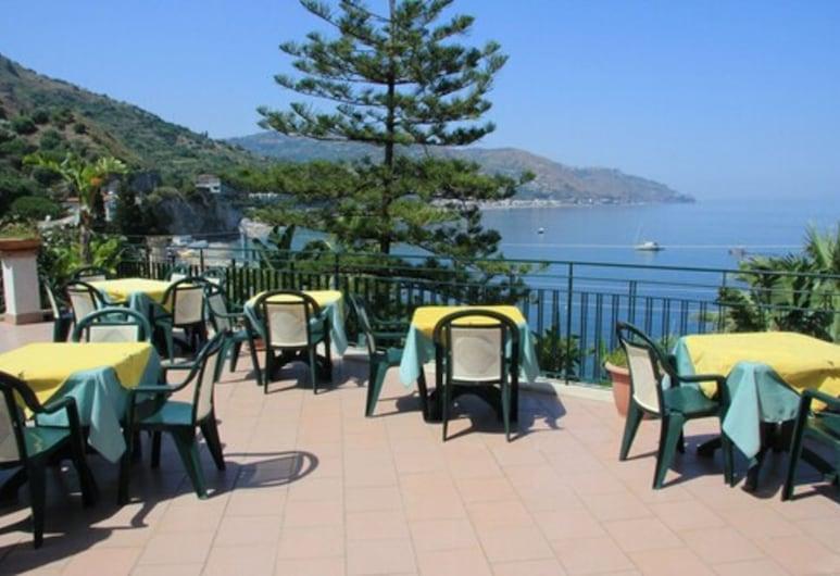 Hotel Baia Delle Sirene, Taormina, Outdoor Dining