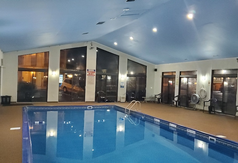 Travelodge by Wyndham Hershey, Hershey, Indoor Pool