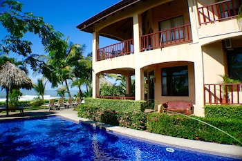 Picture of The Backyard Hotel in Jaco