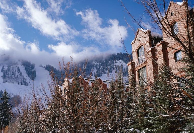 St. Regis Residence Club, Aspen, Aspen, Exterior