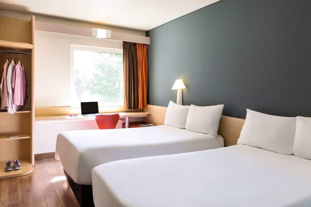 Tek Büyük Yataklı Oda, 2 Çift Kişilik Yatak - Oda