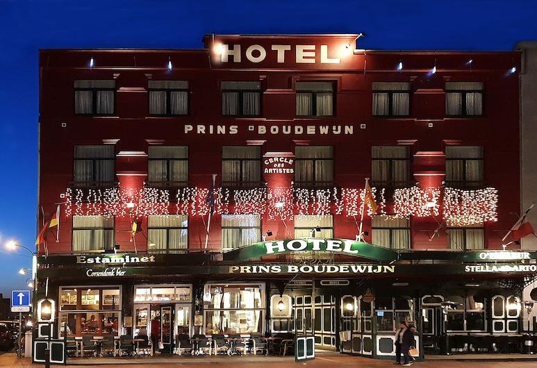 Hotel Prins Boudewijn, Knokke-Heist, Hotelfassade am Abend/bei Nacht