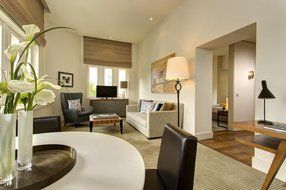 جناح تنفيذي - غرفة نوم واحدة - منطقة المعيشة