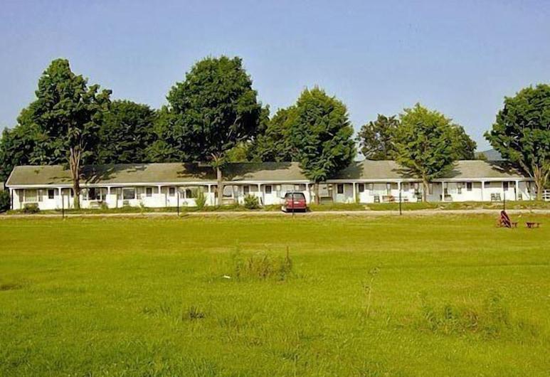 West Road Motel, Bennington, Parco della struttura