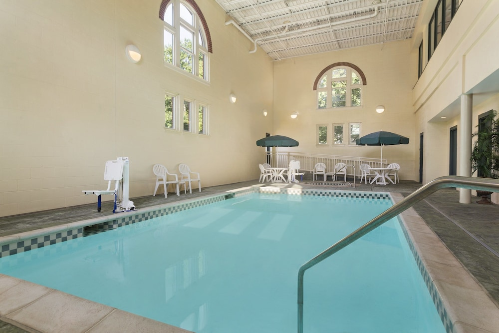 Country Inn Suites By Radisson St Charles Mo