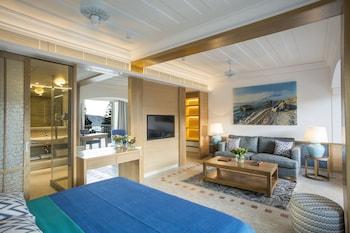 Choose This Luxury Hotel in Pissouri