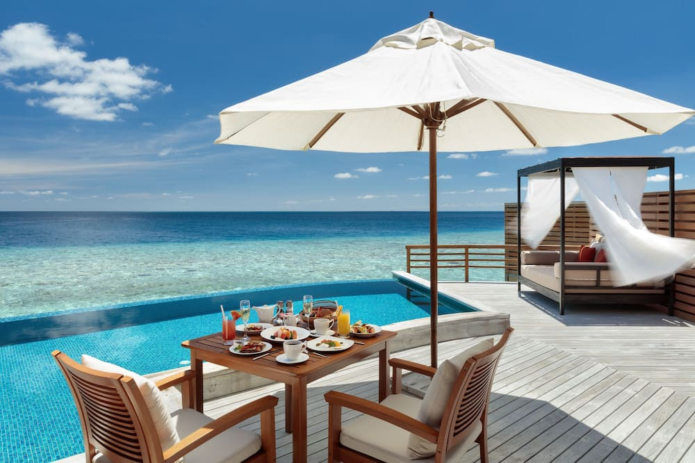 Water Villa with Private Pool - Guest Room