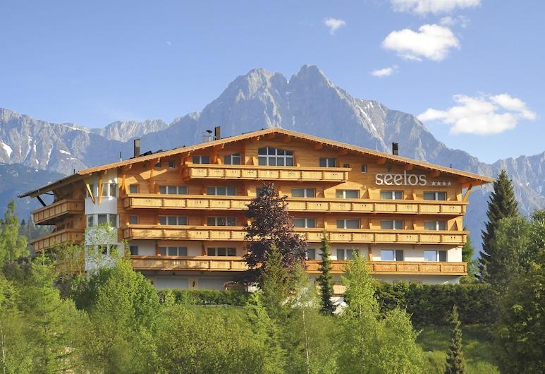 Seelos, Seefeld in Tirol, Hotelfassade
