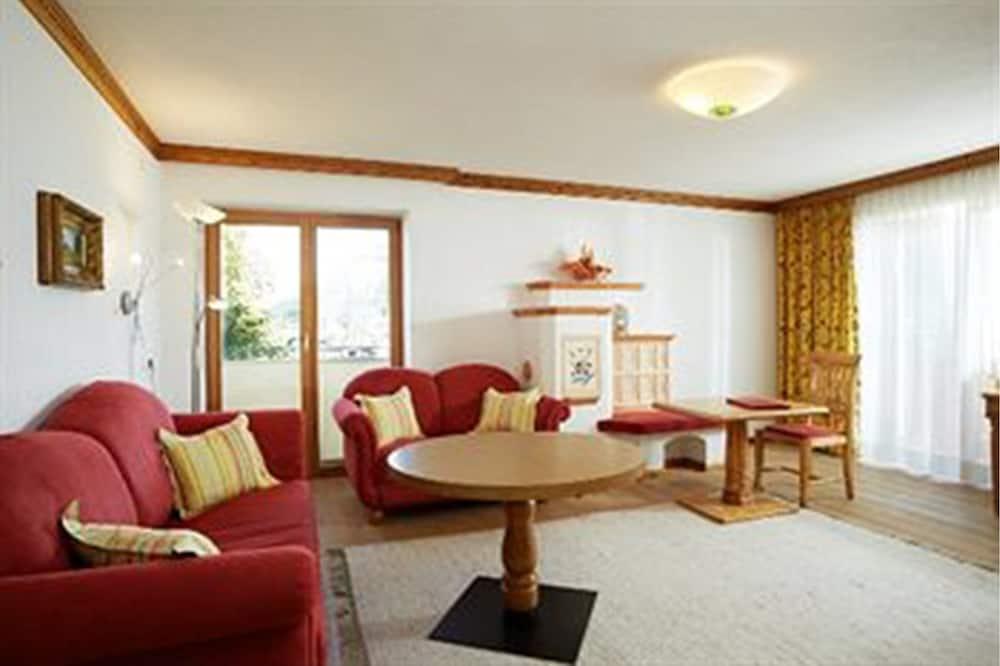 Suite (Maximilian) - Living Area