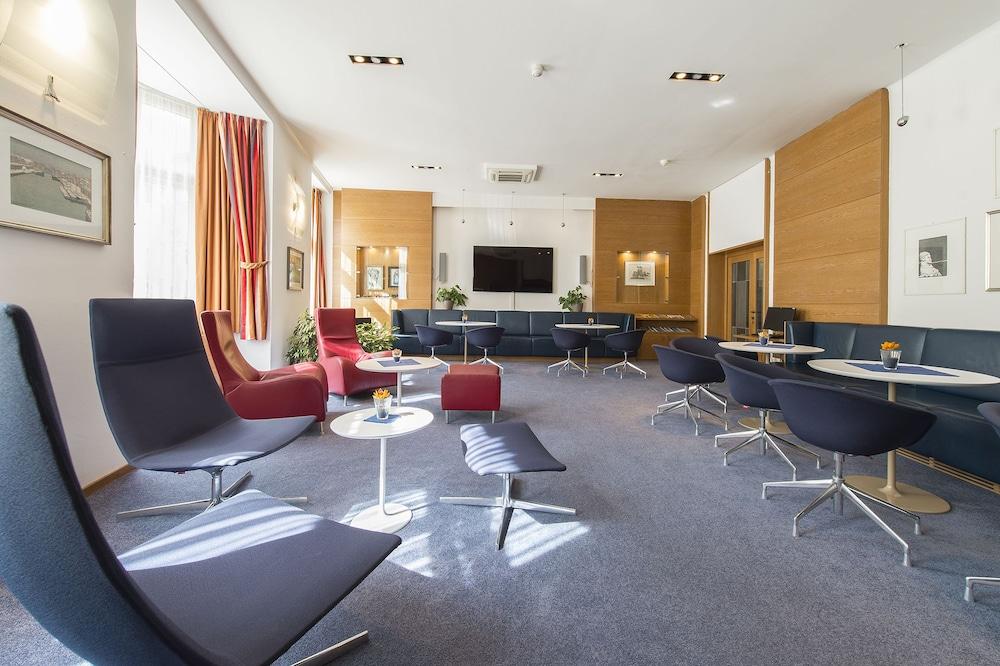 Stiegl Scala Hotel Bolzano Lobby Lounge