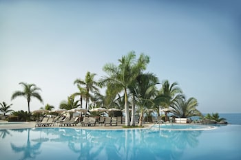 Book this Pool Hotel in Adeje