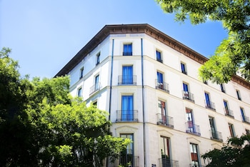 Enter your dates to get the Madrid hotel deal