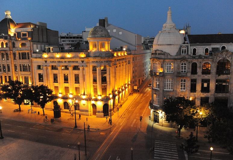 Hotel Aliados, Porto, Průčelí hotelu ve dne/v noci