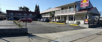 Picture of Express Inn & Suites in Eugene