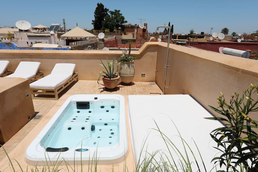 Arte suite terrace and jetted tub - Kültéri jacuzzi