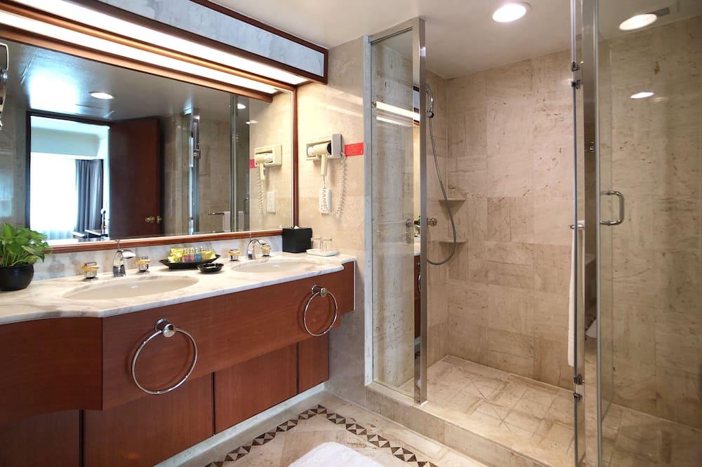 豪華套房, 1 張加大雙人床 - 浴室