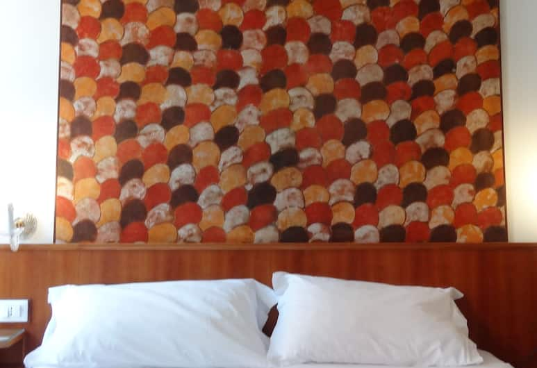 Hotel Minerva E Nettuno, Venice, Double Room, Shared Bathroom, Guest Room