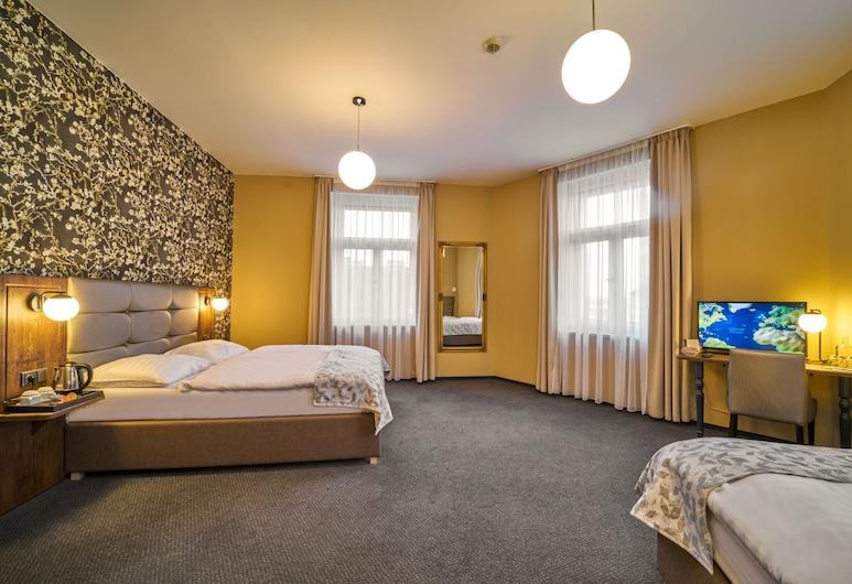 Hotel Victoria, Praga, Quarto quádruplo, Quarto