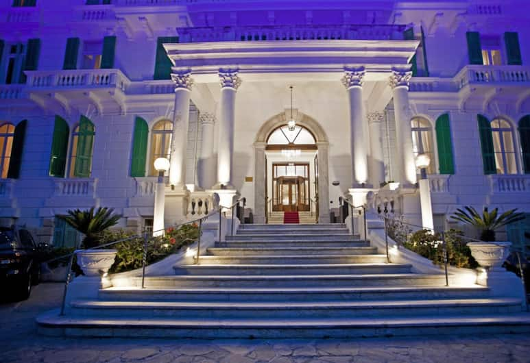 Grand Hotel & des Anglais, Sanremo, Hotel Front – Evening/Night
