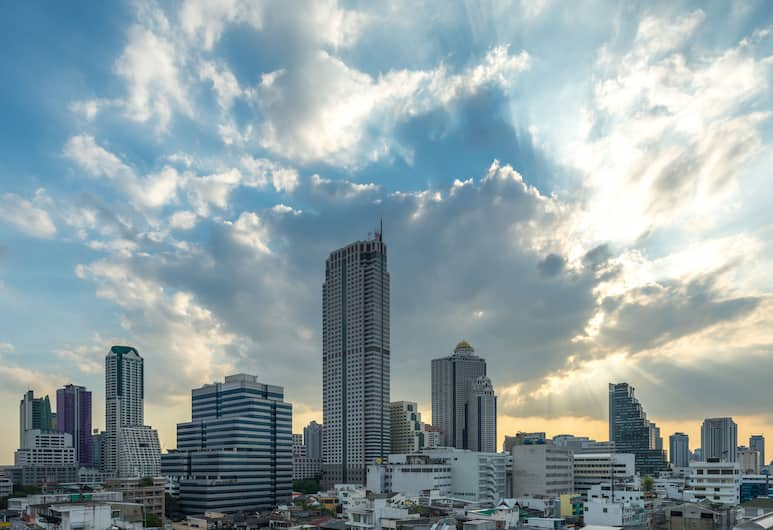 Silom City Hotel, Bangkok, Deluxe Suite, City View