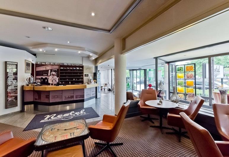 Arthotel ANA Neotel, Stuttgart, Reception