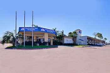 Picture of Americas Best Value Inn & Suites-Texas City/La Marque in La Marque
