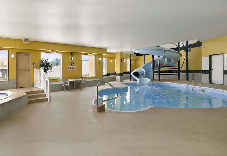 Days Inn by Wyndham Prince Albert, Prince Albert, Pool