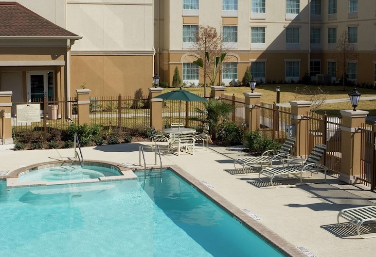 Homewood Suites by Hilton Laredo at Mall del Norte, Laredo, Pool