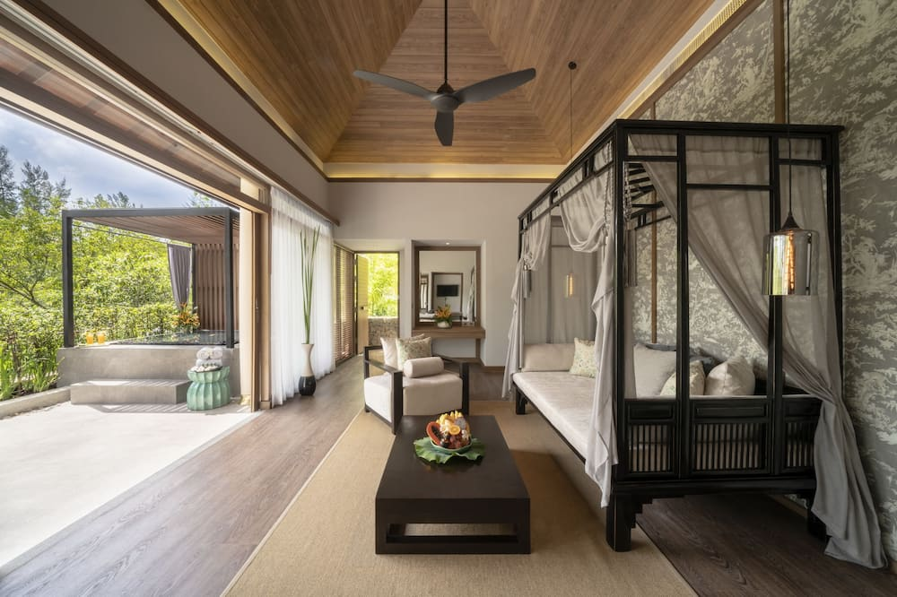 Jacuzzi Pool Suite - 客廳