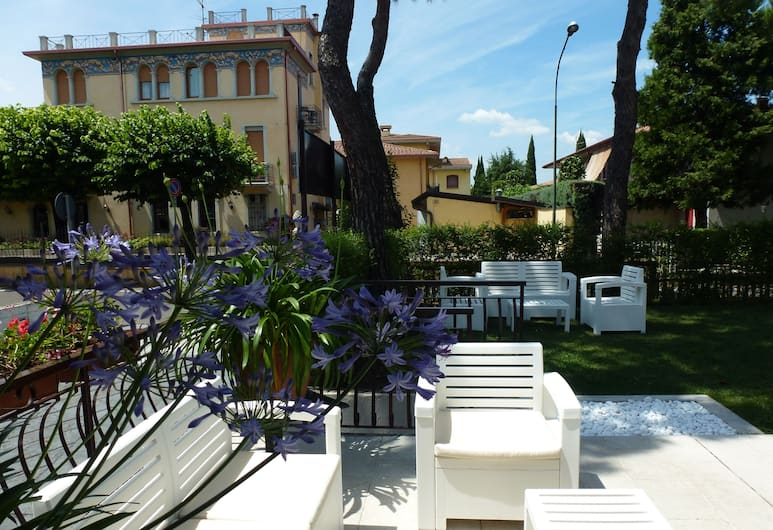 Hotel International, Sirmione, Giardino