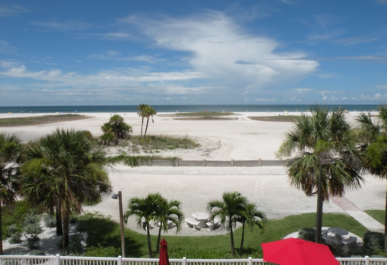 Surf Beach Resort by Sunsational Beach Rentals LLC, Treasure Island, Beach