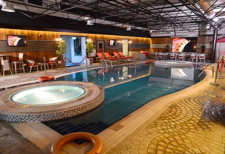 Sun and Sands Hotel, Dubajus, Baseinas