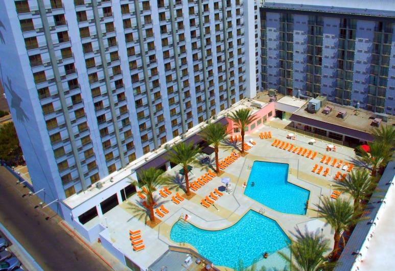 OYO Hotel and Casino Las Vegas, Las Vegas, Chambre Deluxe, 2 lits doubles, vue piscine, Extérieur
