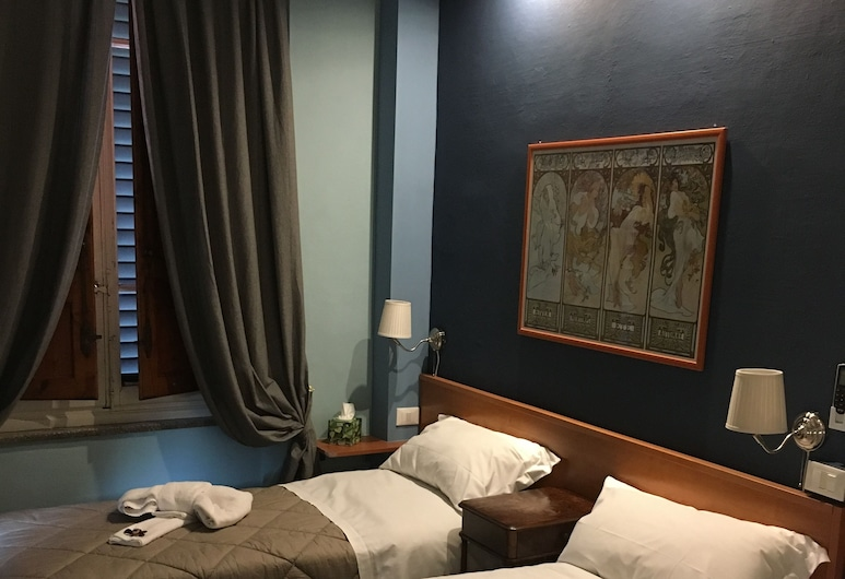 Lucca in Villa San Donato, Lucca, Basic Double or Twin Room, Guest Room