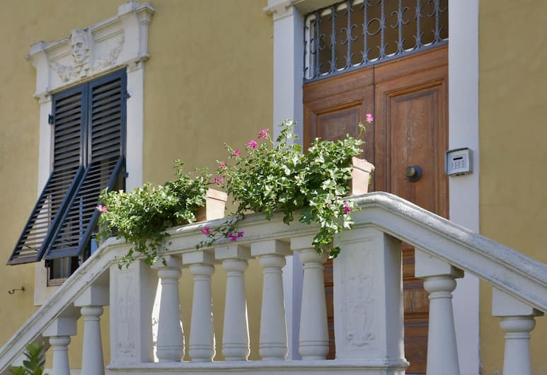 Lucca in Villa San Donato, Lucca, Hotellentré