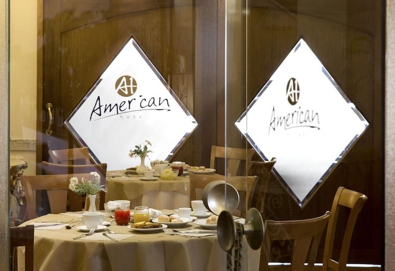 아메리칸 호텔, 포추올리, 레스토랑