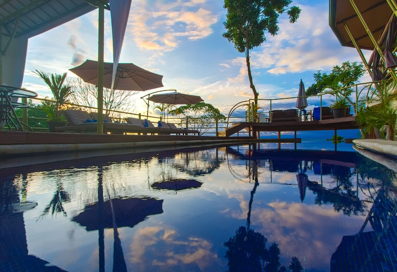 Issimo Suites Boutique Hotel & Spa - Adults Only, Manuel Antonio, Piscina