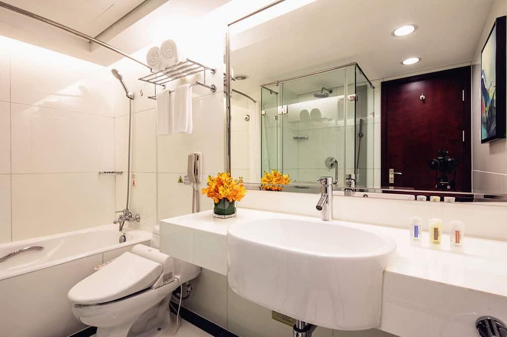 Suite Deluxe, 1 cama doble (Holiday Inn) - Baño