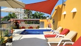 Choose This Mid-Range Hotel in Cartagena
