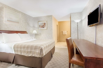 Enter your dates to get the Kingston hotel deal