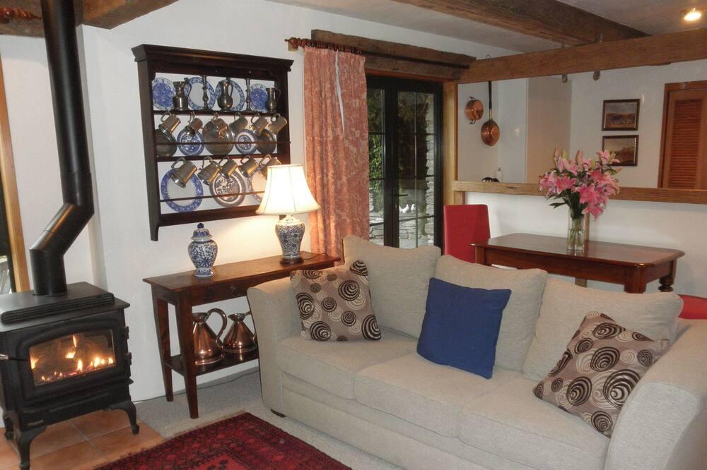 Romantický rekreační domek, 1 ložnice, výhled na hory (BUG) - Obývací prostor