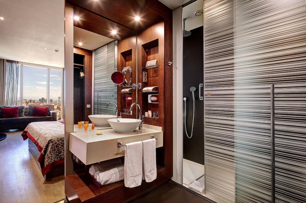 Quarto triplo premium, Vista para a cidade - Banheiro