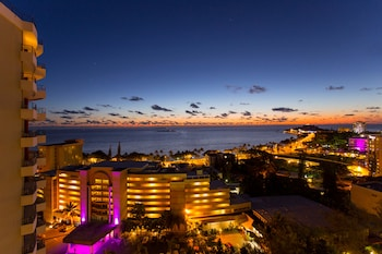 Enter your dates to get the Noumea hotel deal