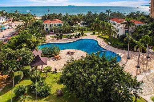 Sanya Hot Spring Seaview Resort, Sanya
