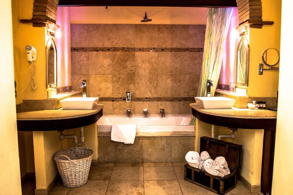 Classic Büyük Yataklı Tek Kişilik Oda - Banyo
