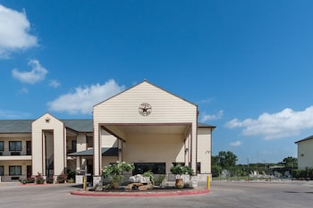 Picture of Lone Star Inn & Suites in Victoria